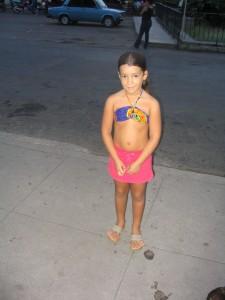Kuubassa asuin Habanassa viikon yksinhuoltajan kotona. Pikkutytöstä tuli paras kaverini.