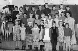 Hiilden kansakoulun I luokka 1956